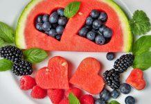 Лубеница и пет вида на храна кои не ладат во топлите денови